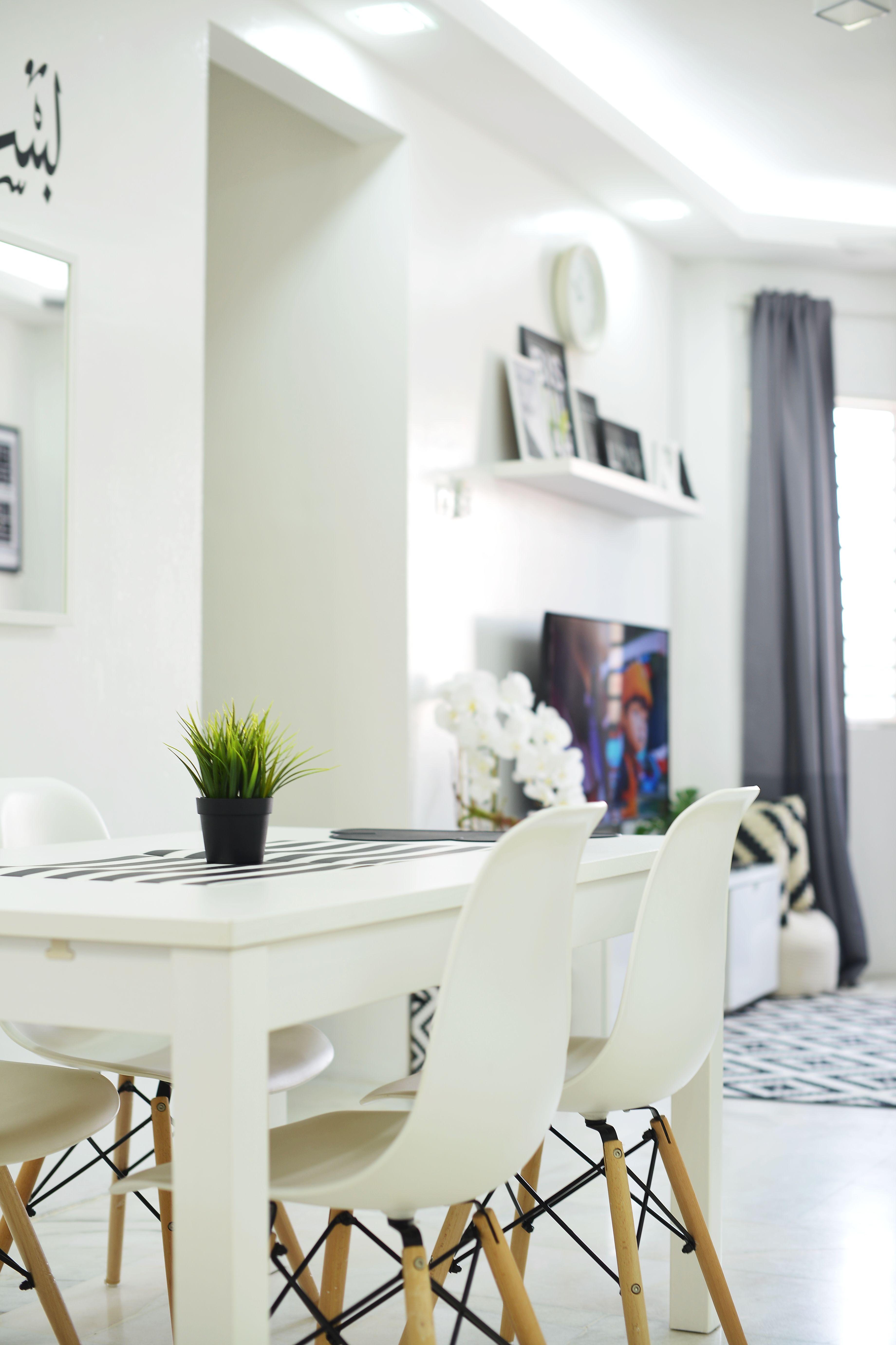 Gambar Dekor Rumah Sempit Dengan Tema Warna Hitam Putih