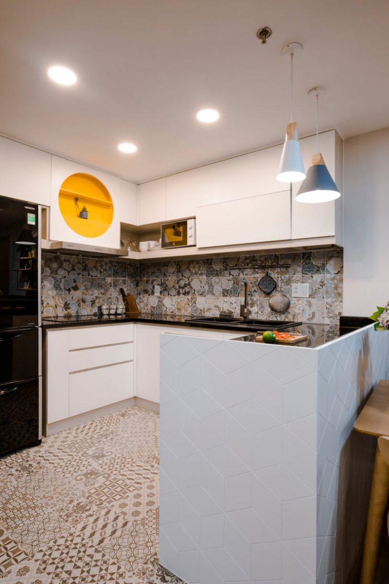 Rumah Sempit 646 sqft Tetap Nampak Luas Dengan Pilihan Warna Vibrasi 9
