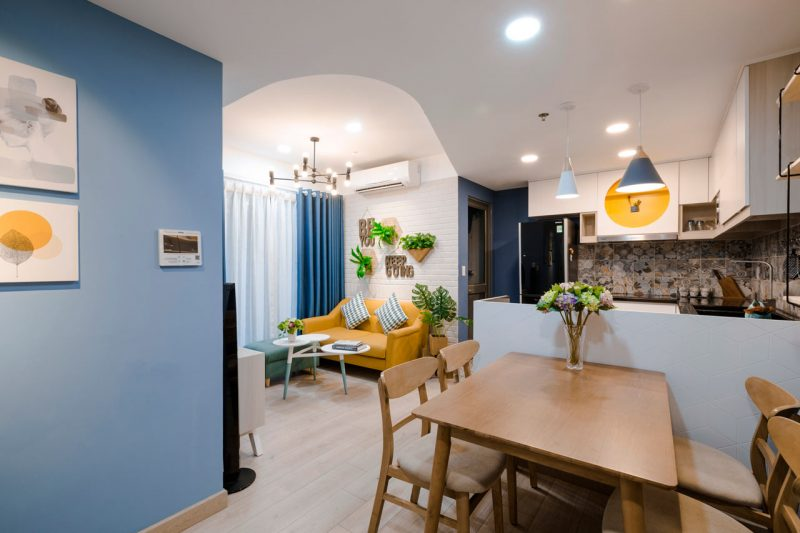 Rumah Sempit 646 sqft Tetap Nampak Luas Dengan Pilihan Warna Vibrasi 3