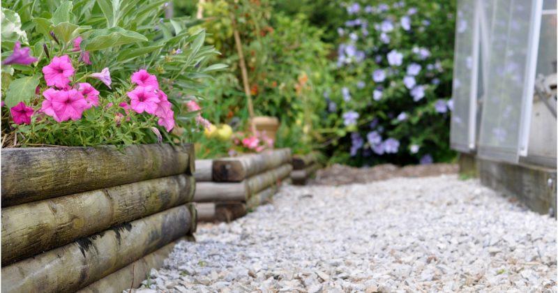 """Batu Krikil Pilihan Tebaik Lantai Landskap """"Less Maintenance"""""""