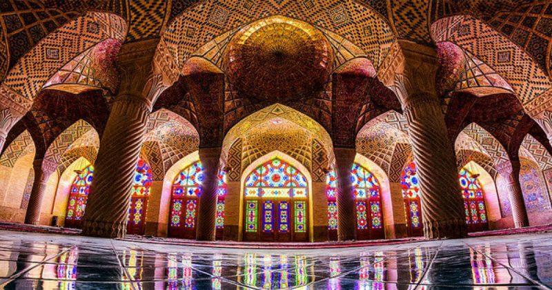 10 Senibina Islam Hebat Yang Wajib Anda Jejak Kaki Sekali Seumur Hidup