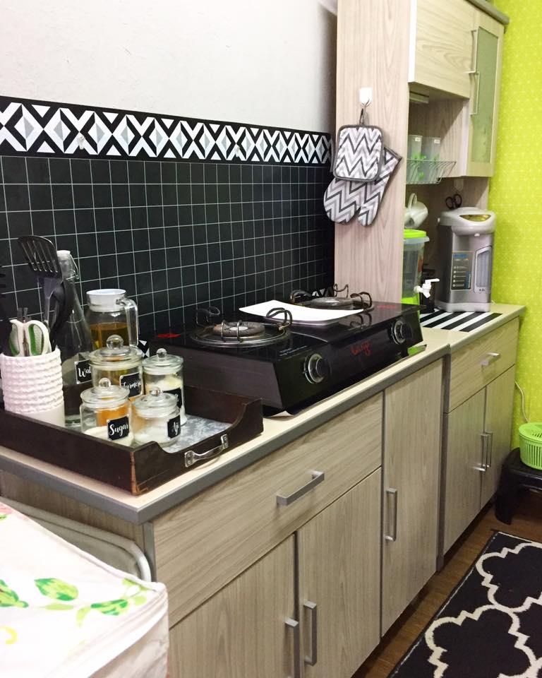 Contoh Kabinet Dapur Yang Simple: Guna Perabot Basic Untuk Dapur Sempit, Tapi Ini Hasilnya