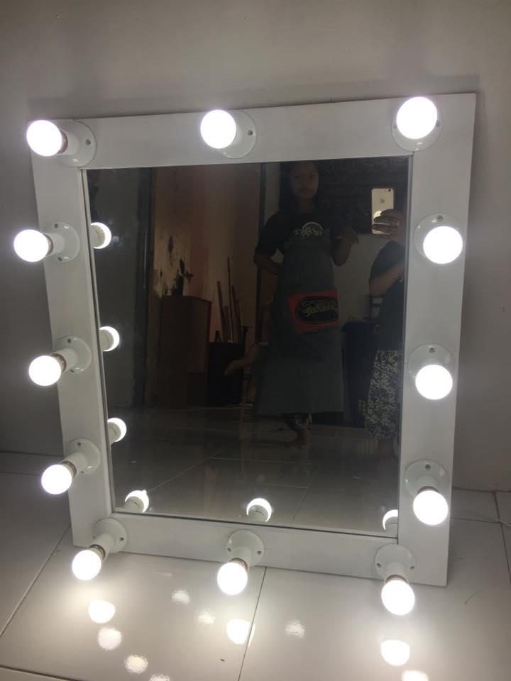 "Buat Sendiri ""Vanity Mirror"" Daripada Kayu Katil Yang Dah ..."