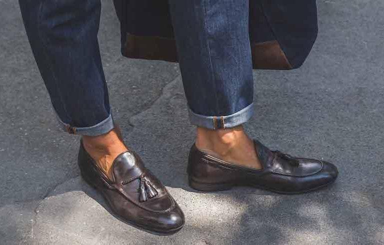 b38891add9 Kasut loafers sesuai digayakan untuk imej kasual dan bersahaja. Jika anda  suka memakai seluar pendek dan kemeja