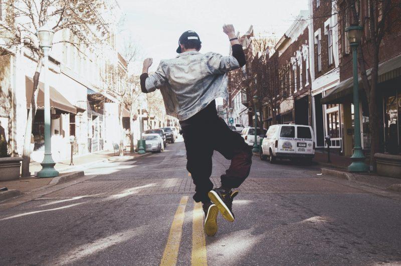 13 Alasan Kenapa Lelaki Selalu Happy. Baca Jawapan Sempoi Lelaki Ini!