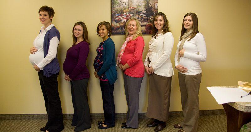 Patutlah Ada Ramai 'Mak Buyung' Dalam Satu Office. Kehamilan Boleh 'Berjangkit' Rupanya!