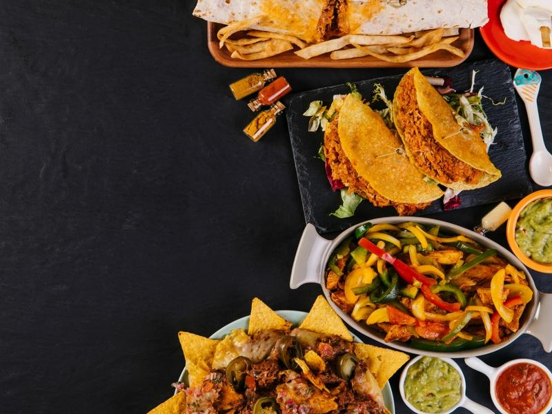 Susah Nak Cari Makanan Halal Ketika Travel Di Luar Negara? Ini 5 Tip Buat Anda