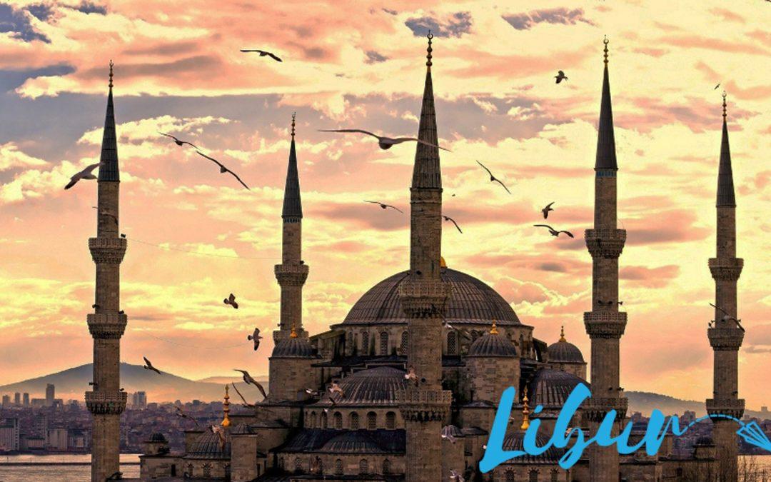 10 Makanan Anda Wajib Cari Bila Berada Di Instabul, Turki